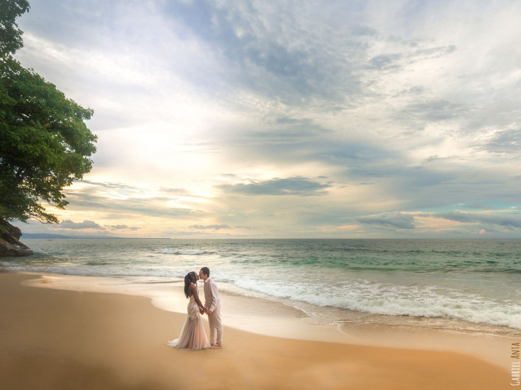 Wedding Photography in Puerto Viejo (Punta Uva, Costa Rica)